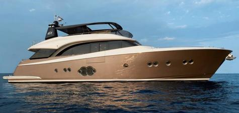 Monte Carlo Yachts 86 (MCY 86)